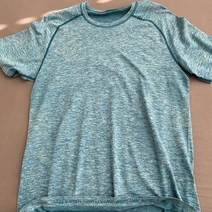 Lululemon metal vent tech size large